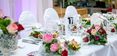 catering-dinner-flower-arrangement-57980
